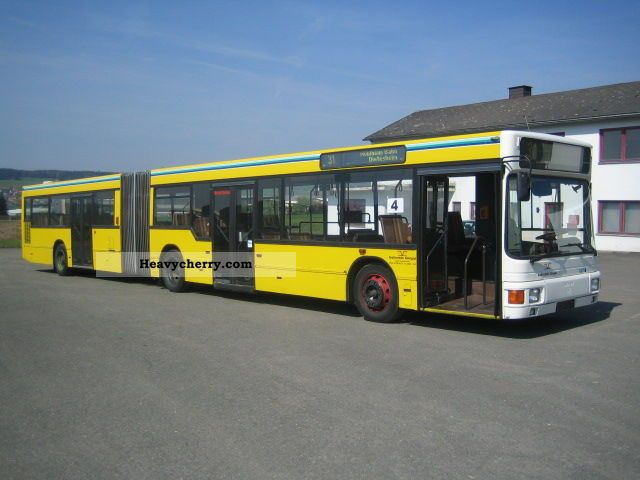 1992 MAN  NG 272 Coach Articulated bus photo