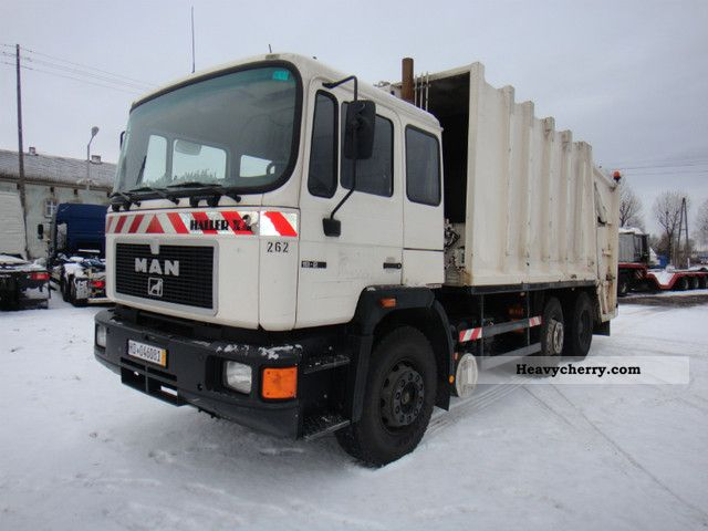 1992 MAN  F02 Truck over 7.5t Refuse truck photo