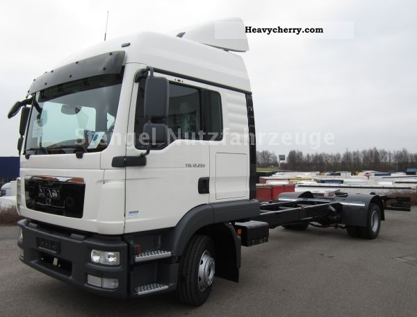 2011 MAN  TGL 12.250 4x2 BL NEW immediate production in 2012 Truck over 7.5t Chassis photo