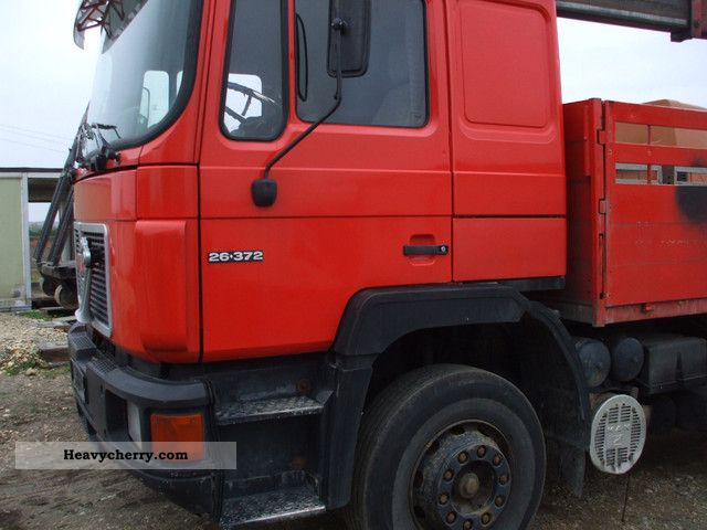 1992 MAN  26.372 6x4 Truck over 7.5t Stake body photo