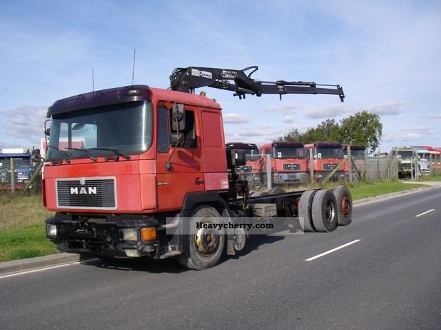 1996 MAN  26-422 FNLG / LL 6X2 WITH CRANE Truck over 7.5t Chassis photo
