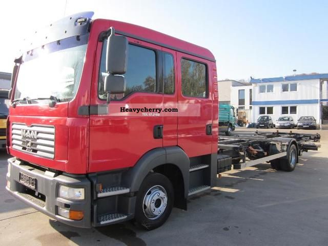 man tg l 12 240 l 6 seater crew cab b 2008 chassis truck photo and specs. Black Bedroom Furniture Sets. Home Design Ideas