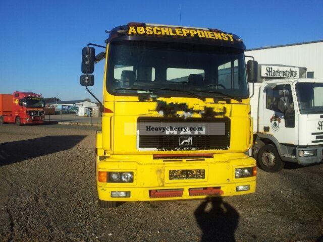 1998 MAN  24 284 6x2 Semi-trailer truck Standard tractor/trailer unit photo