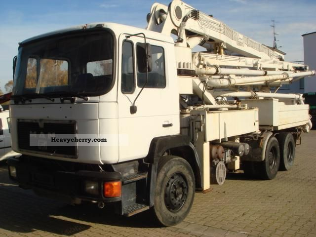 1992 MAN  Pump 33m empire Truck over 7.5t Concrete Pump photo