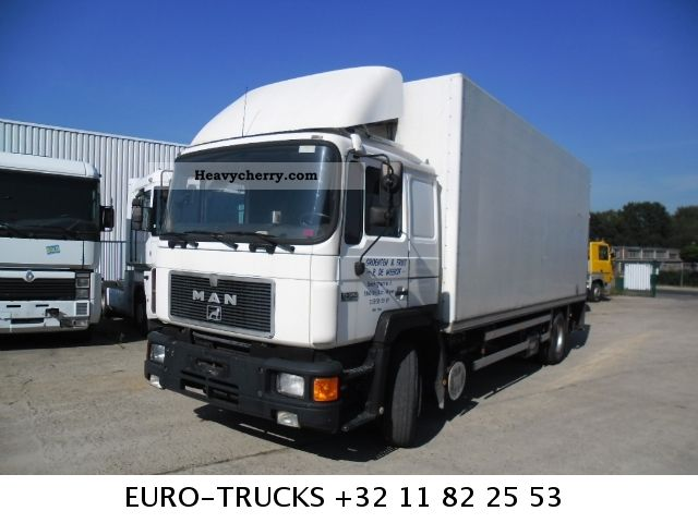 1992 MAN  19 342 with tail lift Truck over 7.5t Refrigerator body photo