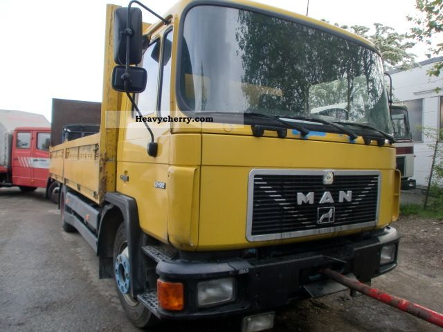 1991 MAN  12 192 Truck over 7.5t Stake body photo