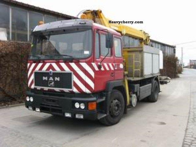 1992 MAN  19 232 F / BB 4x2 18m Truck over 7.5t Hydraulic work platform photo