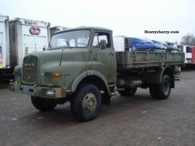 1975 MAN  11.136 4x4 Truck over 7.5t Stake body photo