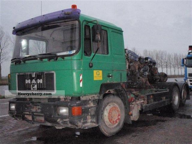1992 MAN  25 302 Truck over 7.5t Chassis photo