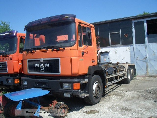 1992 MAN  26 272 Truck over 7.5t Chassis photo