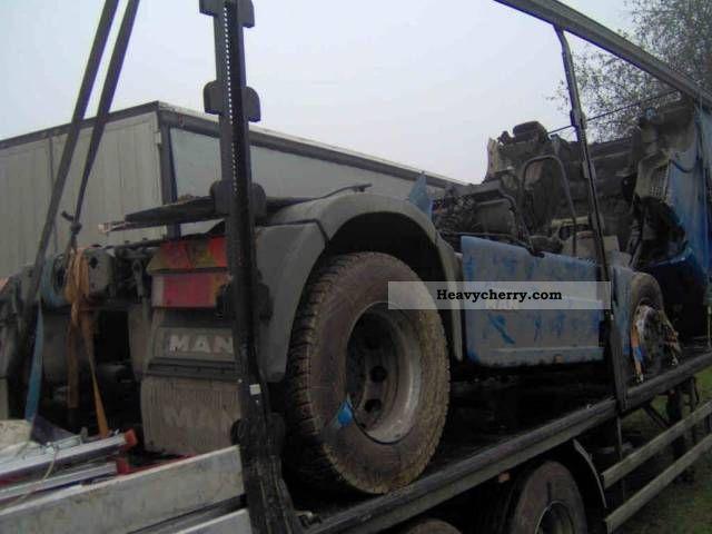 2002 MAN  TGA Semi-trailer truck Standard tractor/trailer unit photo