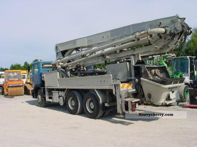 1992 MAN  26 302 Truck over 7.5t Concrete Pump photo