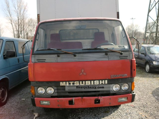 Mitsubishi canter 1988 Box Truck Photo and Specs