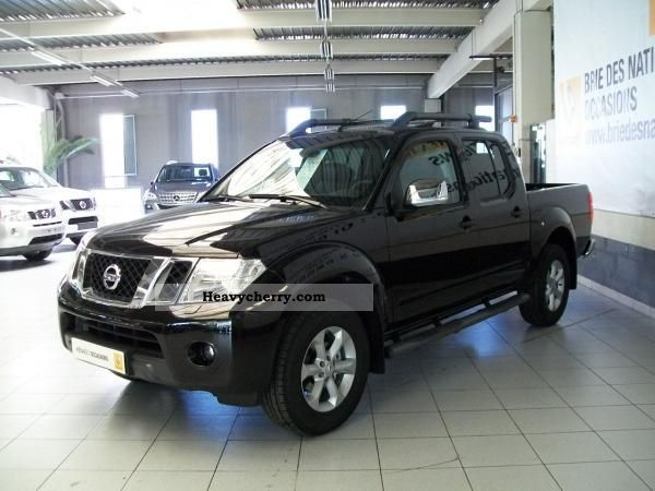 nissan nouveau navara double cab 2 5 dci 190ch 2012 box type delivery van photo and specs. Black Bedroom Furniture Sets. Home Design Ideas