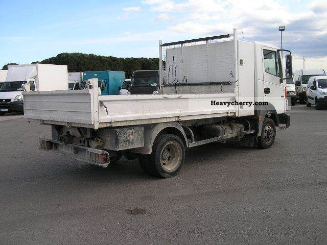 nissan atleon 150 benne et coffre 2009 tipper truck photo and specs. Black Bedroom Furniture Sets. Home Design Ideas