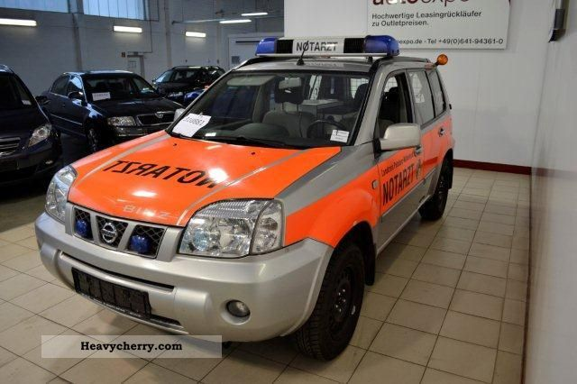 nissan x trail 2 2 dci 4x4 naw with medical equipment 2006 ambulance truck photo and specs. Black Bedroom Furniture Sets. Home Design Ideas