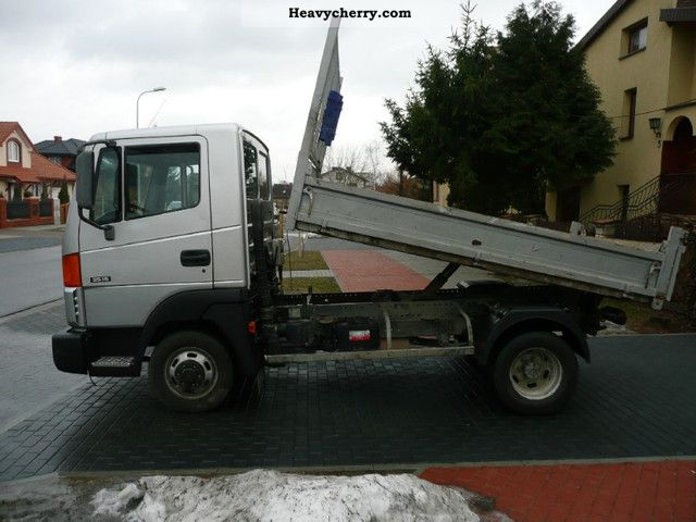 nissan atleon 35 15 2007 tipper truck photo and specs. Black Bedroom Furniture Sets. Home Design Ideas