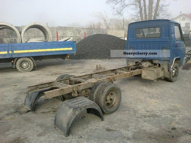 Nissan 3 0 DO TRADE TANIO zabudowy 1995 Chassis Truck   -> Plyta Gazowa Do Zabudowy Tanio