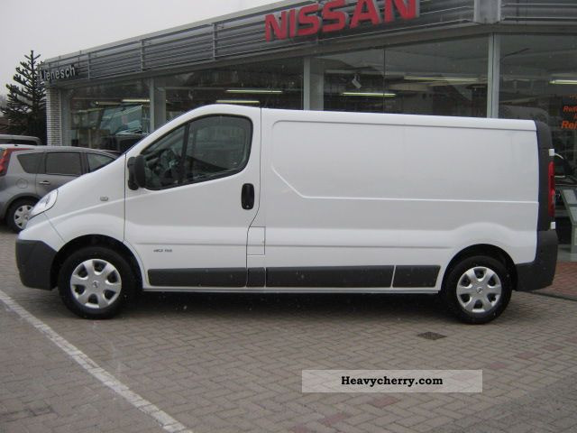 nissan primastar dci 115 l2 h1 premium box 2011 box type delivery van photo and specs. Black Bedroom Furniture Sets. Home Design Ideas