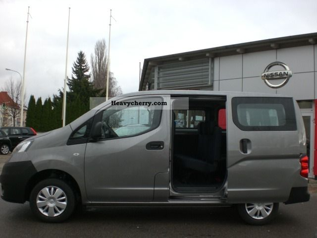 nissan nv200 combi premium 1 5 dci 7 seats air. Black Bedroom Furniture Sets. Home Design Ideas