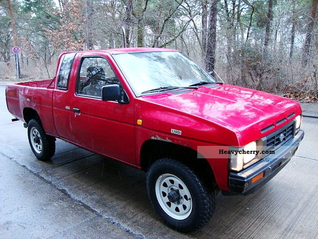 nissan king cab 4x4 diesel md 21 2 5d pick up 1991 stake body truck photo and specs. Black Bedroom Furniture Sets. Home Design Ideas