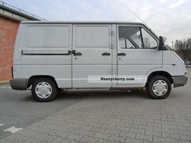 2000 Renault Trafic 1.9D box 3 seater Tüv 10-2012 Van or truck up to ...
