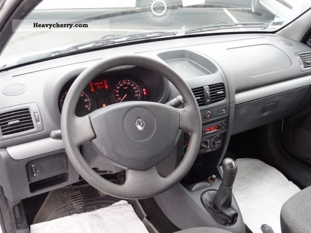 renault clio ii 2 1 5 dci 70 campus air societ 2006 box type delivery van photo and specs. Black Bedroom Furniture Sets. Home Design Ideas