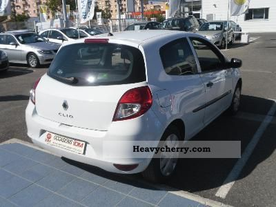 renault renault clio iii dci 85 eco2 societe air 2010 box type delivery van photo and specs. Black Bedroom Furniture Sets. Home Design Ideas