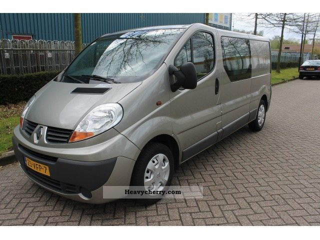 2007 Renault  Trafic 2.0 Tdi L2H1 - dubbel cabine / airco / bj 200 Van or truck up to 7.5t Box-type delivery van - long photo