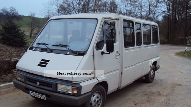 renault master t35 14 1 1 seats good condition 1997 clubbus photo and specs. Black Bedroom Furniture Sets. Home Design Ideas