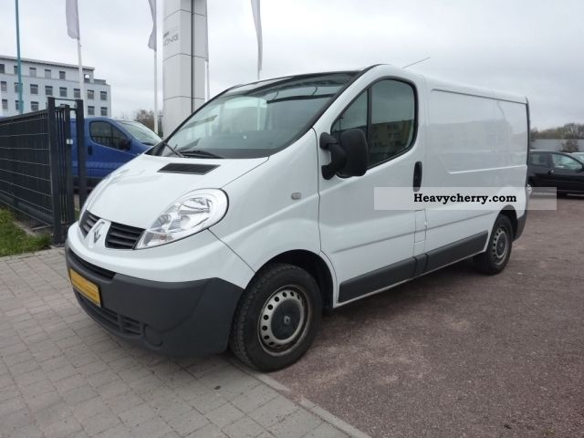 renault trafic 2 0 dci 90 l1h1 2 7 t 2009 box type delivery van photo and specs. Black Bedroom Furniture Sets. Home Design Ideas