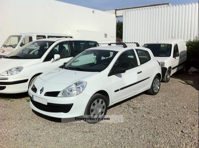 renault clio 2 1 5 dci 3 phase 70cv societe 2009 box type delivery van photo and specs. Black Bedroom Furniture Sets. Home Design Ideas