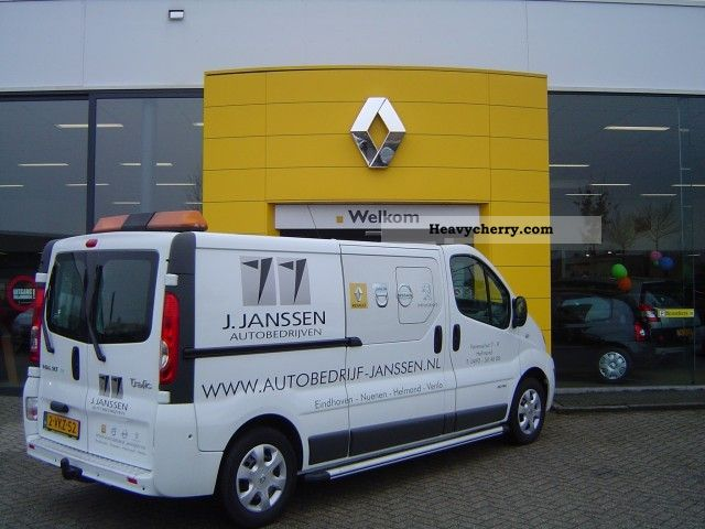 renault trafic 2 0 tdi l2h1 115pk terberg dubbel cabin 2011 box type delivery van photo and specs. Black Bedroom Furniture Sets. Home Design Ideas