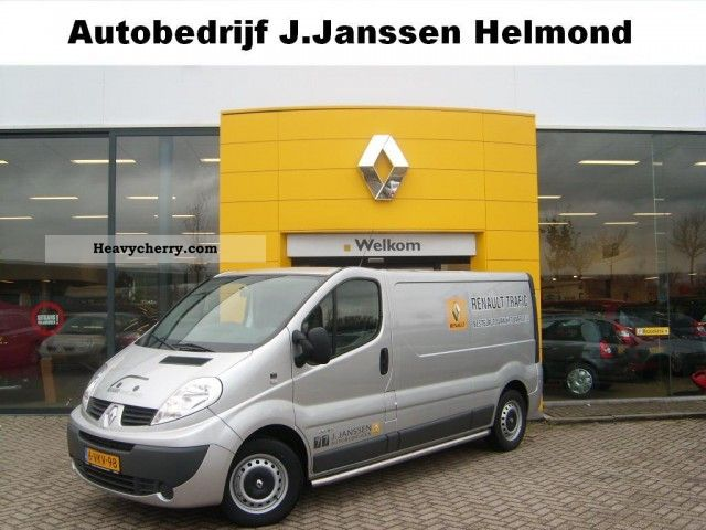 2011 Renault  Trafic 2.0dCi 115pk Fap T29 L2H1 GB VELE EXTRA'S Van or truck up to 7.5t Box-type delivery van photo