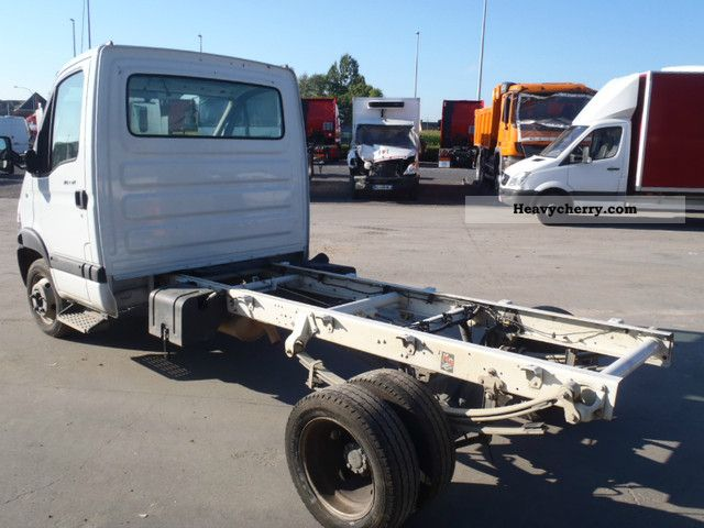 renault mascot 130 dxi 2008 chassis truck photo and specs