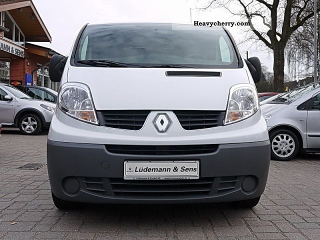 renault trafic 2 0 dci 115 fap l1h1 2011 box type delivery van photo and specs. Black Bedroom Furniture Sets. Home Design Ideas