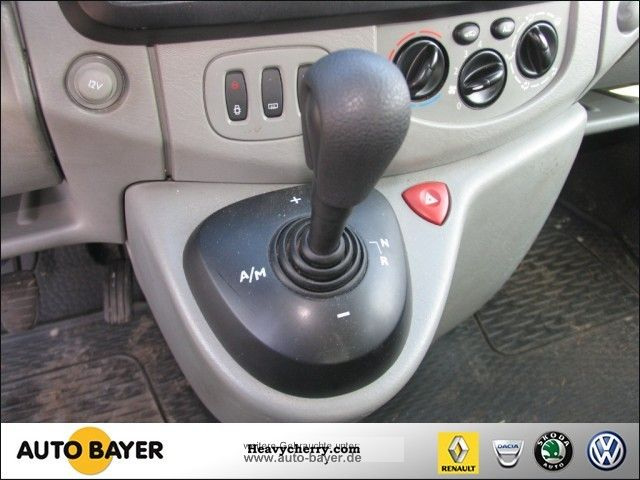 Renault trafic automatic