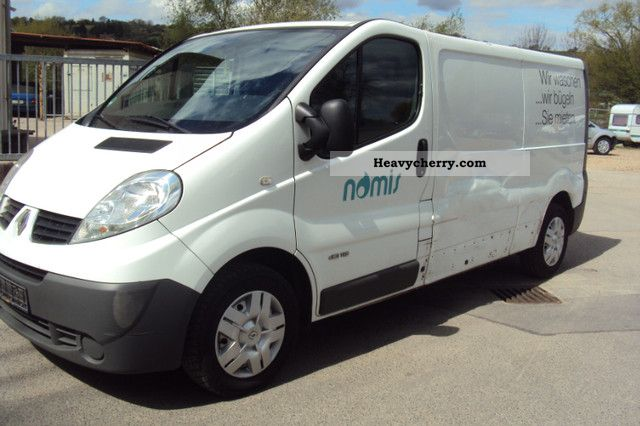 renault trafic l2h1 long 2009 box type delivery van long photo and specs. Black Bedroom Furniture Sets. Home Design Ideas