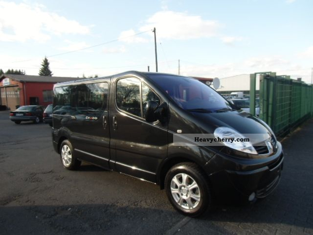 renault trafic 2 5 dci 150 fap generation 2 evado 2010 clubbus photo and specs. Black Bedroom Furniture Sets. Home Design Ideas