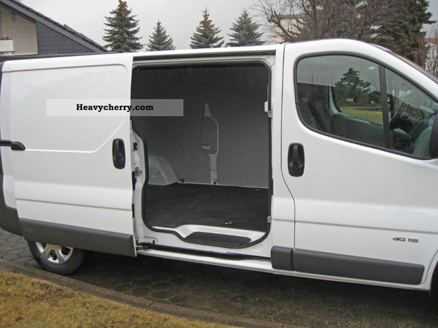 renault trafic 2 0 dci l2h1 fap 2011 box type delivery van. Black Bedroom Furniture Sets. Home Design Ideas