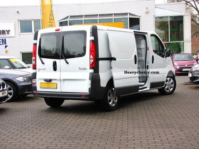 renault trafic 2 0 dci 115 dpf l2h1 2011 box type delivery van photo and specs. Black Bedroom Furniture Sets. Home Design Ideas