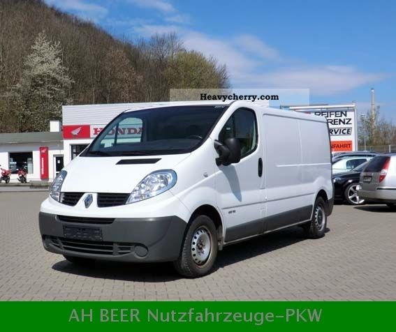 renault trafic 2 0 dci l2h1 2009 box type delivery van long photo and specs. Black Bedroom Furniture Sets. Home Design Ideas