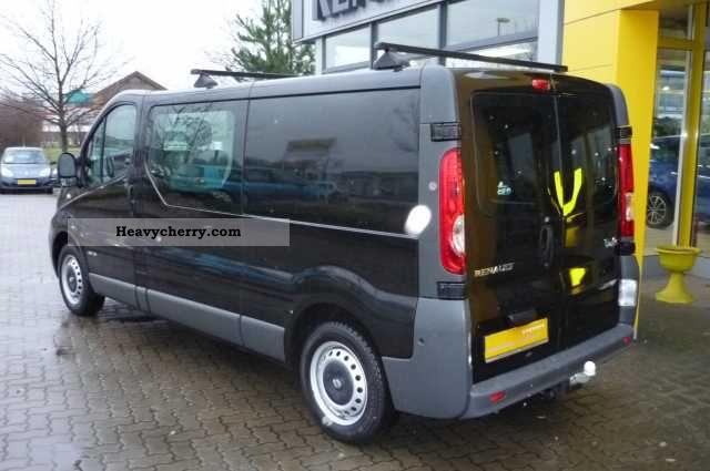 renault trafic 2 0 dci 115 l2h1 with a trailer hitch and 2009 other vans trucks up to 7 photo. Black Bedroom Furniture Sets. Home Design Ideas