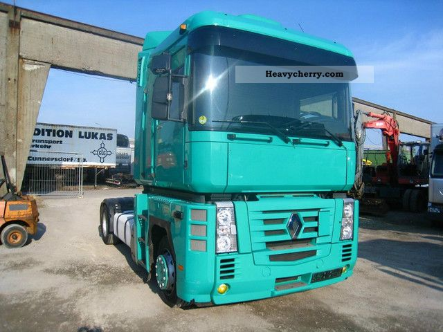 Renault 440dxi  Volvo Engine 2006 Standard Tractor  Trailer
