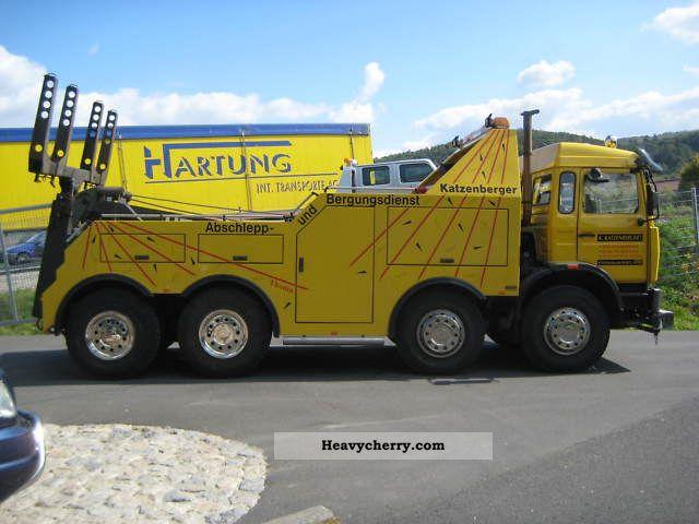 1992 Renault  Truck salvage vehicle Truck over 7.5t Breakdown truck photo