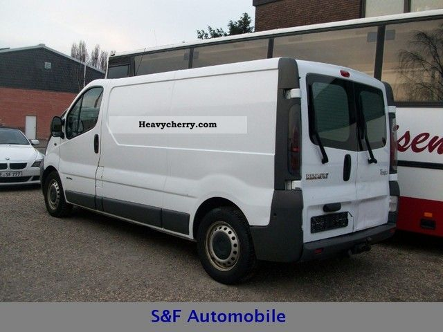 renault trafic 2 5 dci 140 van long l2h1 2005 box type delivery van long photo and specs. Black Bedroom Furniture Sets. Home Design Ideas