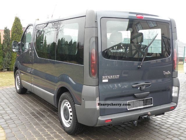 renault trafic 74kw 8 person air 2003 estate minibus up to 9 seats truck photo and specs. Black Bedroom Furniture Sets. Home Design Ideas