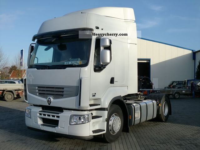 Tractor Trailer Units : Renault dxi standard tractor trailer unit photo