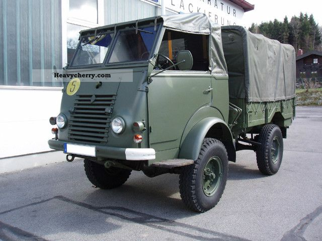 renault r2067 4x4 military vehicle 1956 stake body and tarpaulin truck photo and specs. Black Bedroom Furniture Sets. Home Design Ideas