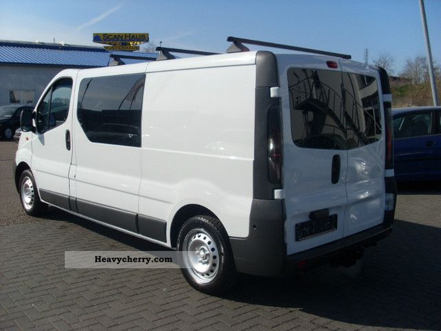renault trafic 1 9 dci l2h1 at motor 16 tkm 6 seats 2005 box type delivery van long photo. Black Bedroom Furniture Sets. Home Design Ideas